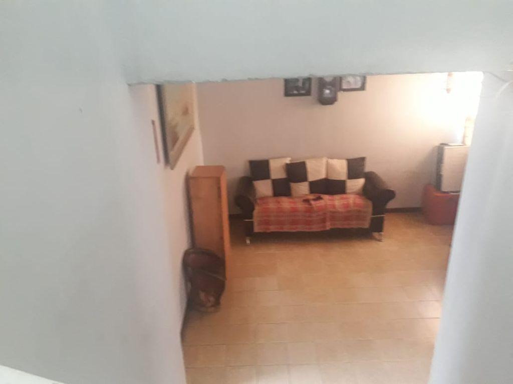 Casa de 2 plantas • 3 Recamaras en segunda planta • cochera para 3autos • Sala, comedor • 1 baño • cocina • pequeño patio (lavadero)  WIG: p07o6hp 5
